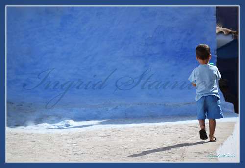 022. Running in the Blue, Chaouen, Morocco | by Charlottine'sPics - ingridstainier.com