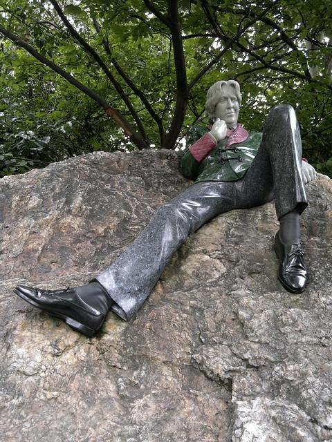 The Oscar Wilde Statue in Merrion Park