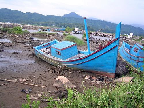 Tsunami aftermath in Aceh, Indonesia, photo by Dedi Supriadi Adhuri, 2006