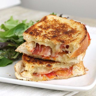 Garlic-Rubbed Grilled Cheese with Bacon and Tomatoes | by Tracey's Culinary Adventures