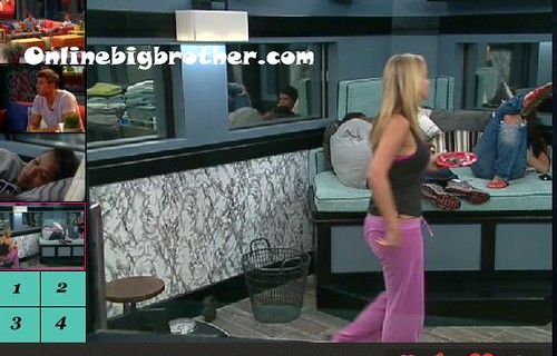 BB13-C4-8-25-2011-12_23_33.jpg | by onlinebigbrother.com