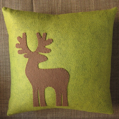 Appliquéd Reindeer Pillow | by katbaro