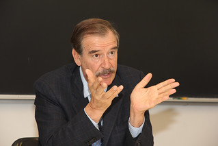 Vicente Fox & Drake Law School Students (3) | by Drake University