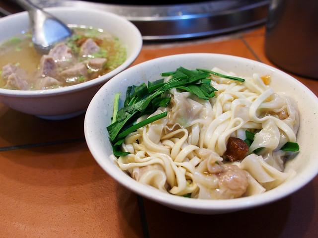 台北/萬華–艋舺小吃巡禮(十六)/華西街小吃–古早味通記陽春麵