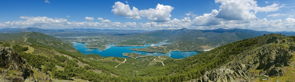 El Atazar Reservoir - Mount Cancho de laz Cabeza, Spain