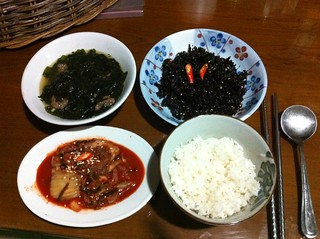 Miyuk Guk, Seasoned Seaweed, Kimchi, and rice. | by mariskalim