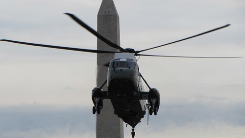 Marine 1 flys by the Washington Monument on approach to the White House | by WilliamKoenig