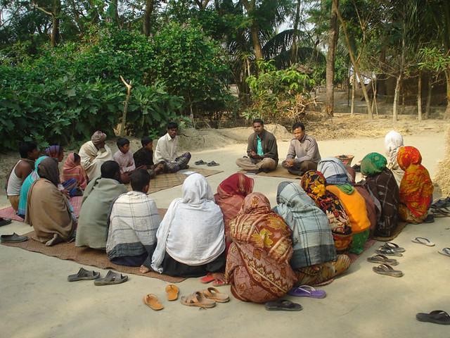 Farmers group training session on aquaculture in Bangladesh. Photo by Md. Masudur Rahman.