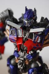 [Revoltech] Sci-Fi #030 Optimus Prime