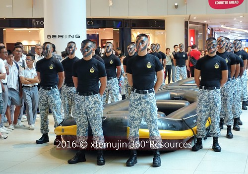 2016 june navy vivo republic of singapore navy vivocity for Naval diving unit