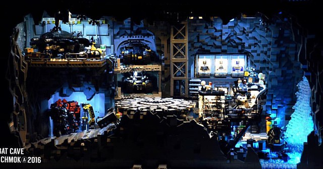 This is my big MOC Lego project - BATCAVE , please view #legos#legobricks#legomoc#legostagram#batman#batmanvssuperman#DC#legomocs#Lego#batmobile#batmanlego