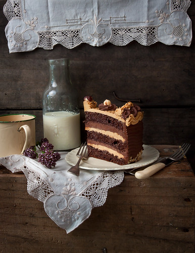 Chocolate and caramel cake | by Paper Kea