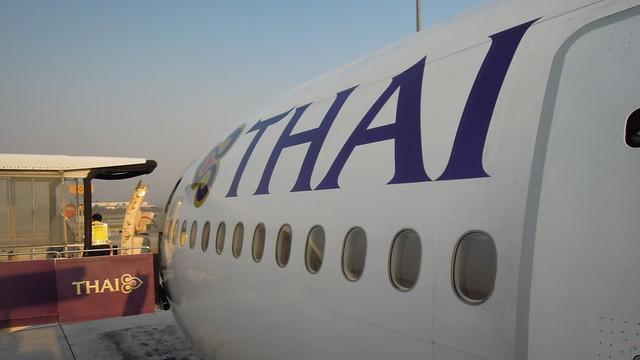 Thai Airways Boeing 777-200ER (HS-TJF) Suvarnabhumi Airport, Bangkok