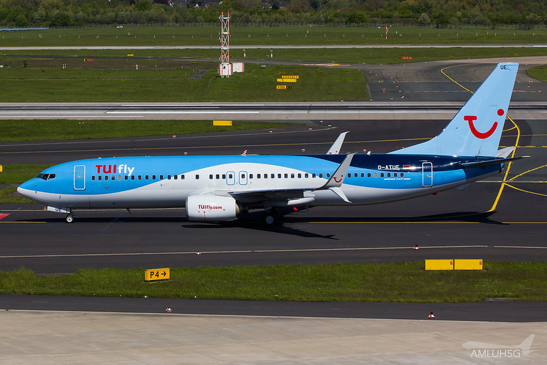 TUIfly - B738 - D-ATUE (1)