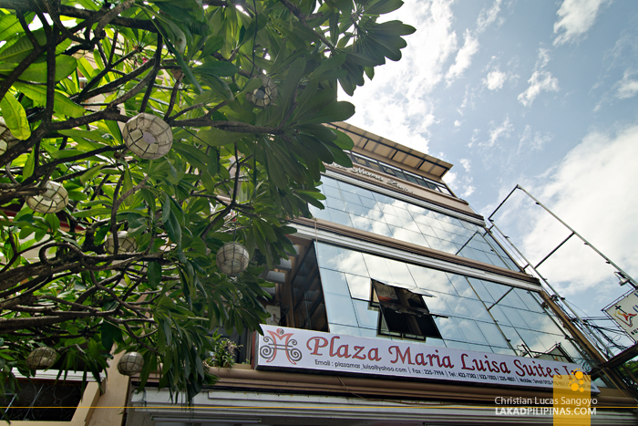 Plaza Maria Luisa Suites Inn Facade