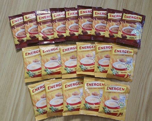 Energen breakfast cereal drink in chocolate and vanilla flavors