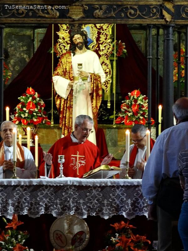 2º día de Triduo y mesa de ofrendas C. Sagrada Cena