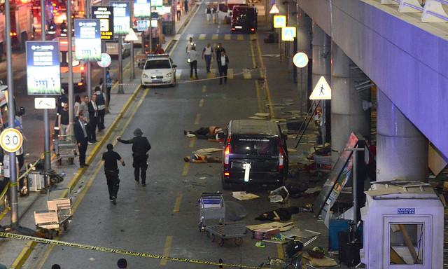 Atentado en aeropuerto de Estambul deja 36 muertos y 147 heridos