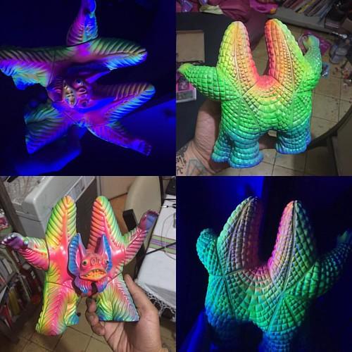 #pestar #kaiju #sofubi #m1go #softvinyl #softvinyltoy #custom #frankmysterio #neon #uv #madejapan
