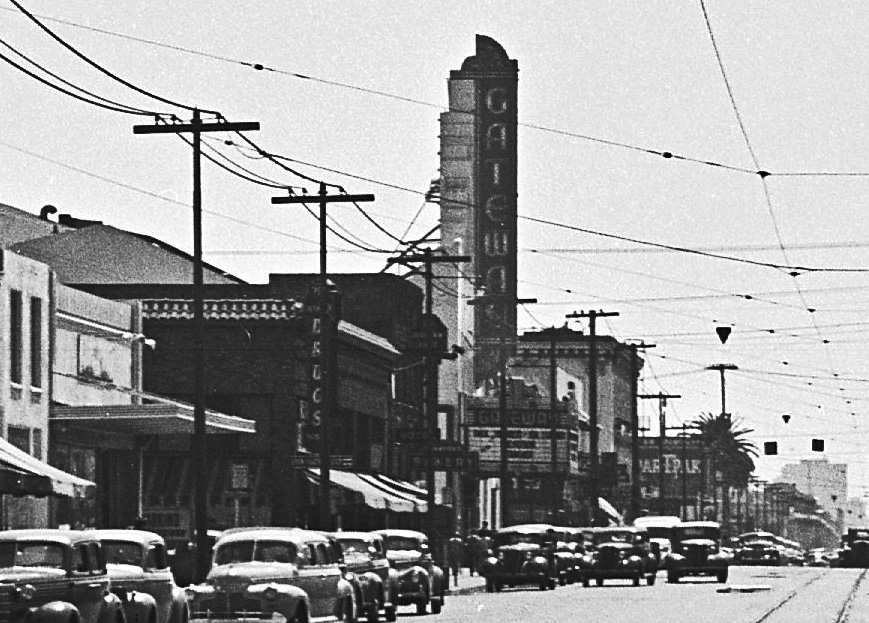 san pablo ave looking west 1946 gateway theatre