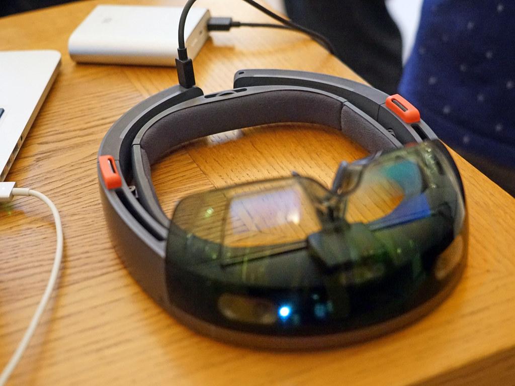 HoloLens, le casque de réalité mixte de Microsoft (Futur en Seine 2016 Off, Paris)