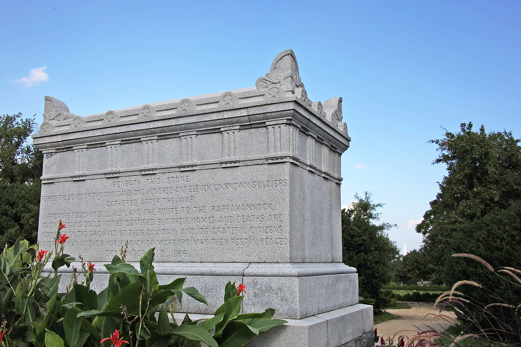 Civil War Unknowns Memorial - looking NE - Arlington National Cemetery - 2011