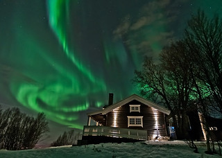 The Ski Hut under the Northern light | by Per Ivar Somby