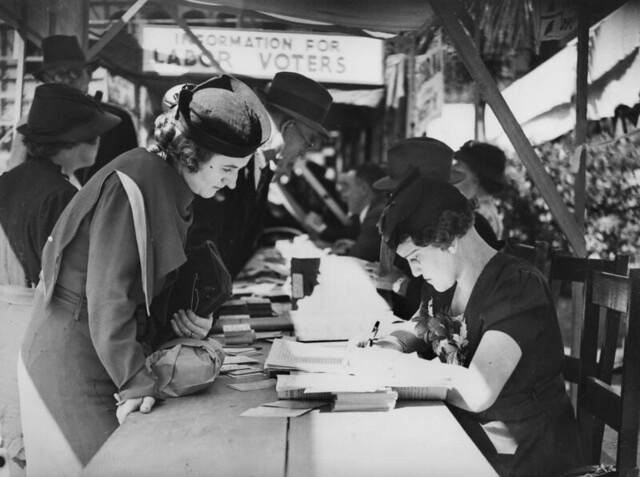 Voting in Brisbane, 1937