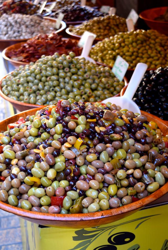 Preserved Olives at Sarlat Market | www.rachelphipps.com @rachelphipps