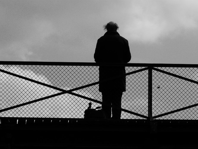Lonely Man Pont des Arts | A lonely man standing on Pont des ...