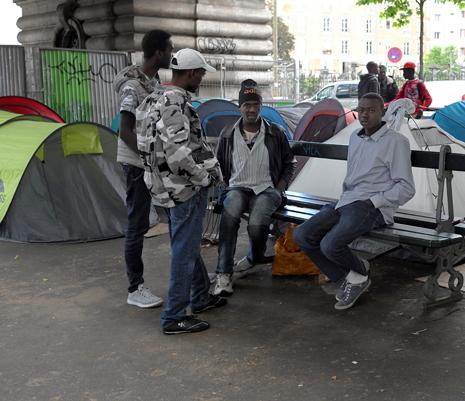 16f15 Refugiados Pidiendo asilo refugio_0064 variante 1 Uti 465