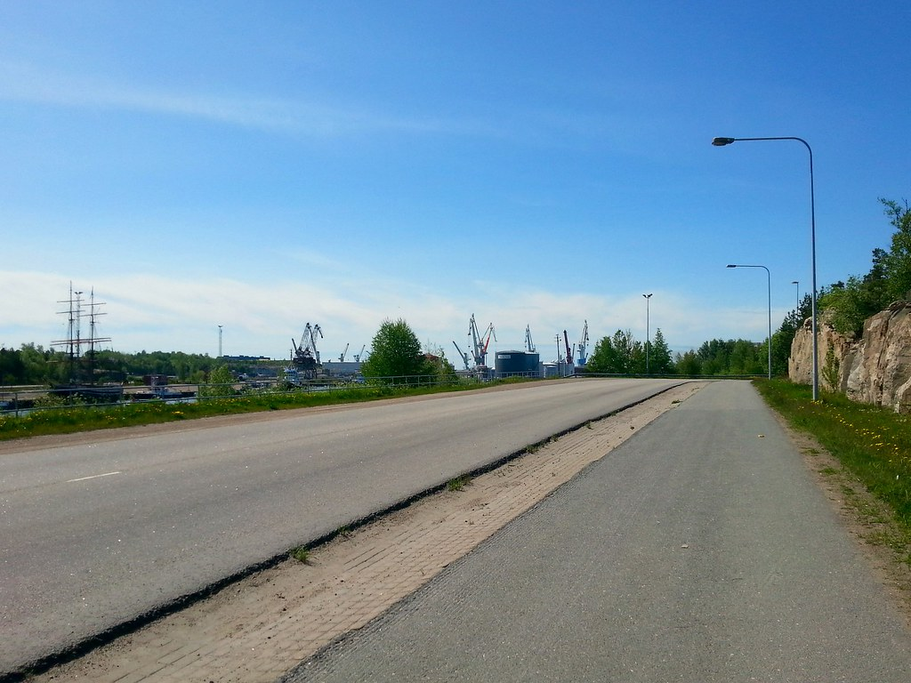 Rollerblading in Rauma – The Smoothest Summer Streets With a View | Live now – dream later travel blog