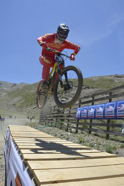 Bull Bikes Cup DH en Sierra Nevada