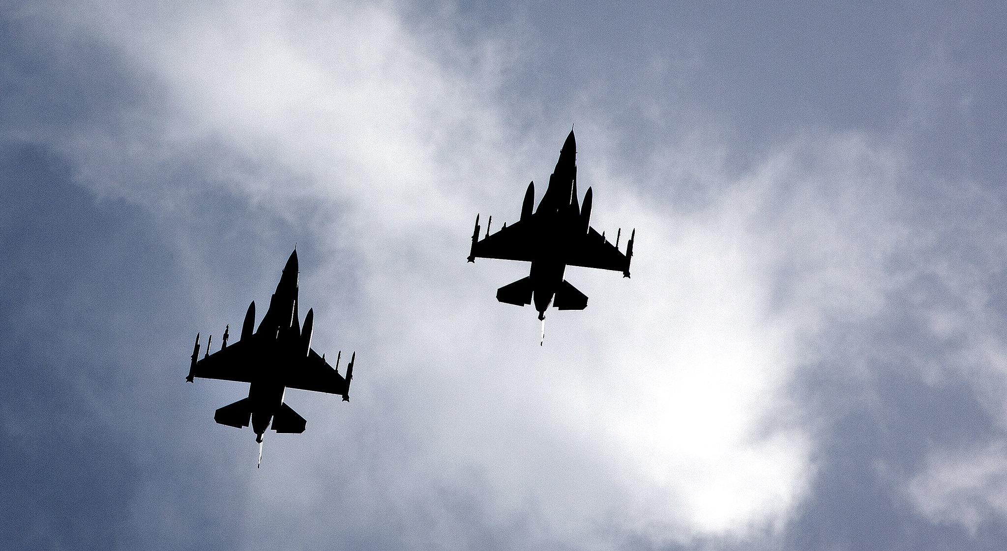 Two Norwegian F-16's Libya 2011