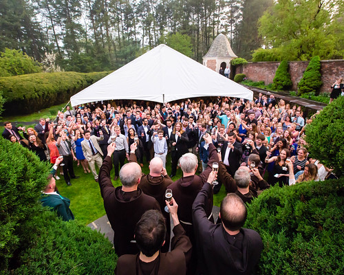 Toast to the Class of 2016: Alumni Welcome Reception