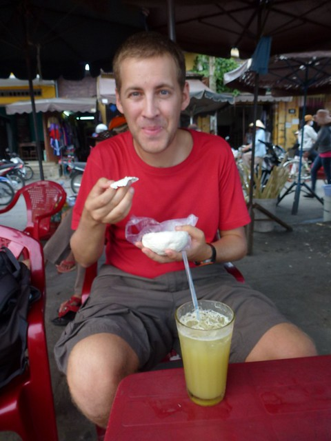 Sugar cane drink and pork buns!! So happy