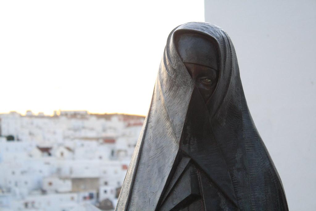 Estatua de la Cobijada