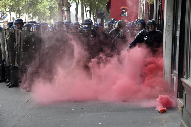 Manifestación en París contra reforma laboral deja 40 heridos