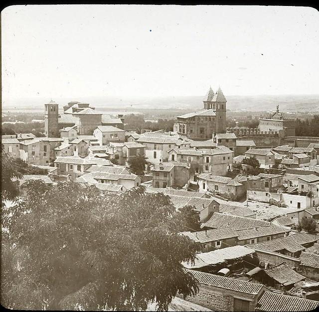 Santiago del Arrabal hacia 1905 fotografiado por Alois Beer. Fotografía editada y publicada por E. Mazo para linterna mágica MTFFD027808_P