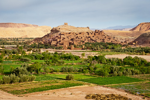 Ouarzazate, located in the middle of a bare plateau south of the High Atlas Mountains | by World Bank Photo Collection