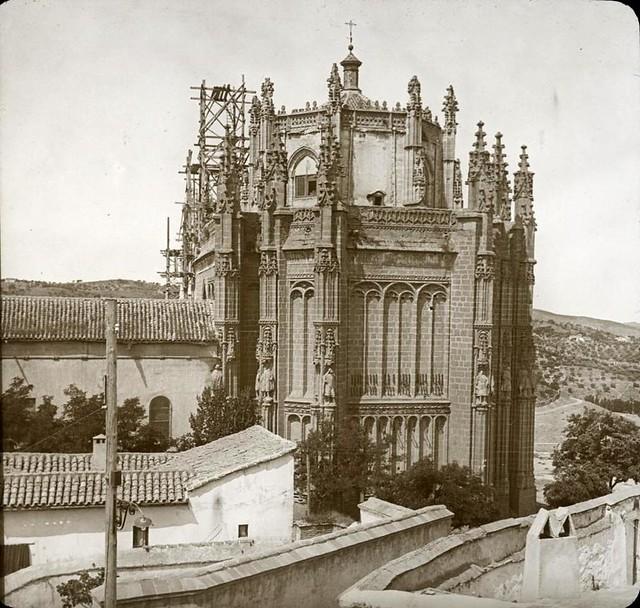 San Juan de los Reyes hacia 1905 fotografiado por Alois Beer. Fotografía editada y publicada por E. Mazo para linterna mágica MTFFD026510_P