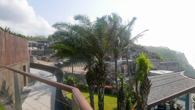 27697825683 54ab1404f0 c - REVIEW - The Edge, Uluwatu (Bali)
