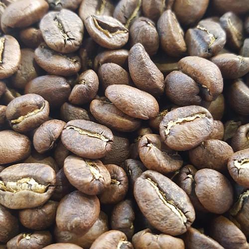 Another batch of Guatemala Pulcal Intelligente! #caffedbolla #singleorigin #coffeebeans #coffeeroasting #coffeeroaster #slc