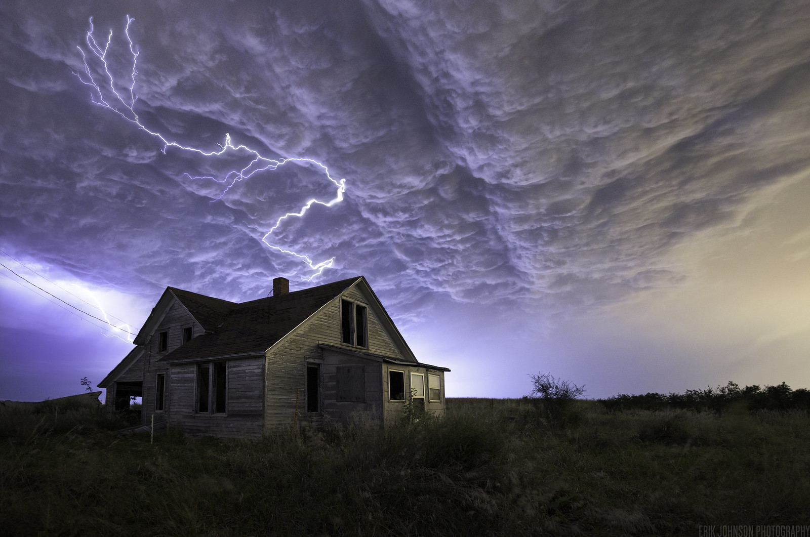 Interesting Photo of the Day: Lightning Over an Abandoned House