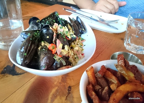 PEI Mussels: the lemongrass & chorizo