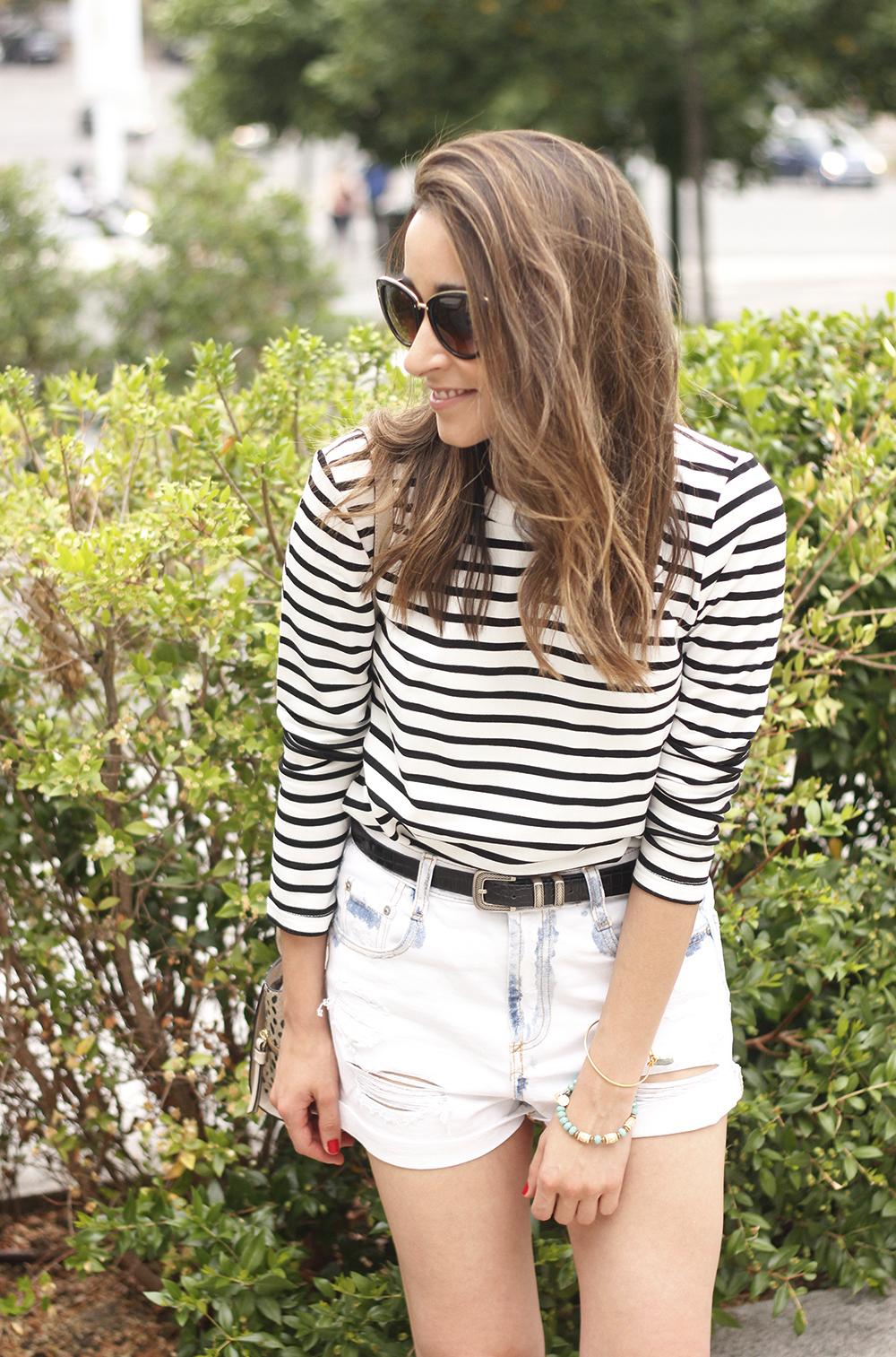 Stripes and denim shorts nude heels acosta bag sunnies belt summer outfit16