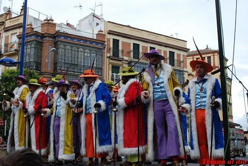 El veneno del carnaval inund el s bado triana triana al d a - La casa de los disfraces sevilla montesierra ...