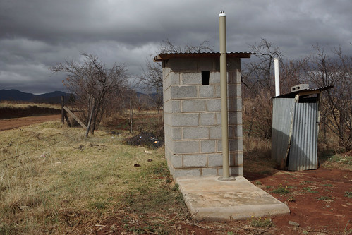 Lesotho - Metolong Dam Toilets&Brick Making - John Hogg - 090625 (12) | by World Bank Photo Collection