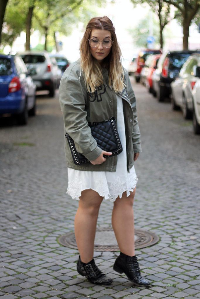 outfit-look-style-modeblog-fashionblog-tasche-jacke-zara-print-spitzenkleid-sommer14