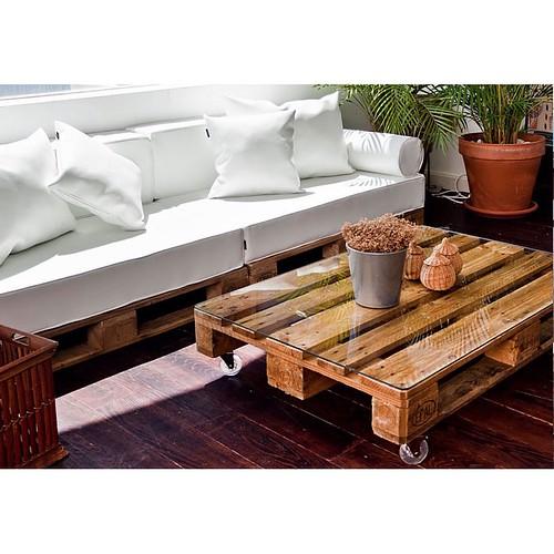http://bit.ly/1pE1vNI | Ecología y diseño en uno, escoge tamaño, tejido, colchón, Palets, colores, ruedas... Cómo lo quieres? Mipuf.es #deco #eco #Palets #mipuf #comoloquieres #relax